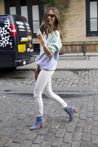 ombre-pastel-sweater-and-boots